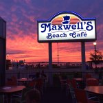 Maxwells Beach Cafe