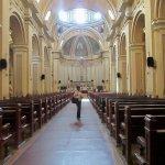 Bella arquitectura y lugar de recogimiento.Consagrada a la Santisima Trinidad.d