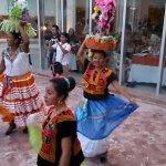 Todo el colorido de Huatulco y su fiesta Gualaguetza