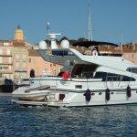 le port de Saint-Tropez en début de saison