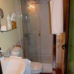 Baño de la habitación nº 2