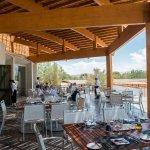 área da varanda do restaurante onde normalmente servem o almoço com vista linda ao vulcão