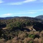 La vue sur le massif des Maures, depuis la terrasse