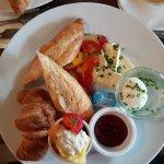 """Frühstück """"Paris"""" - frisch gepresster Karottensaft nicht auf dem Bild"""