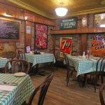Foto de Frankie's Bar & Grill