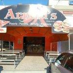 Se vuoi mangiare qualcosa di veramente buono Arnold`s è il posto giusto!!! Ve lo consigliooooo!!