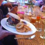 Hamburger co anelli di cipolla e bacon ;)