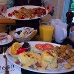 朝食はボリューム満点!すっごく美味しいです。