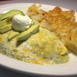 Chile verde omelet, omelet coverde with our famous green sauce.