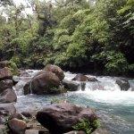 Sendero al río