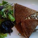 Cram and mushroom buckwheat crepe