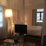 J Plus Hotel by YOO Foto