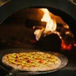 Pizzas no forno a lenha - Verace Pizza Napoletana