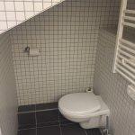 Toilettes pour 1,50 métres maxi et chambre de 10 m2 mansardé!