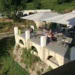 La terrasse déjeuner ou pour déguster une bonne bière fraîche en fin de journée!
