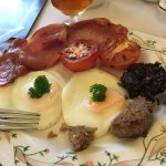 Full breakfast with Black and white pudding