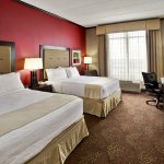 Photo de Holiday Inn Hotel and Suites Chicago Northwest