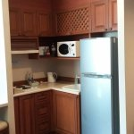 Kitchenette with fridge and Hobb