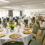 Photo of DoubleTree by Hilton Hotel Campbell - Pruneyard Plaza