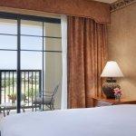 King Corner Suite w/ Balcony