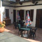 La nuova sala colazioni e il terrazzo comune