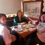 Almorzando con María José y Claudia