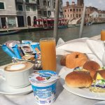 Breakfast on the canal