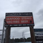 FloatHouse Patio & Grill Foto