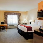 Photo of Holiday Inn Express Hotel & Suites Amarillo