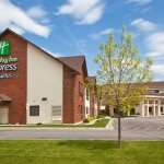The Holiday Inn Express provides close proximity to the area's best attractions:  Redlin Art Cen