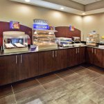 Photo of Holiday Inn Express Atlanta West - Theme Park Area