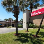 Red Roof Inn Galveston - Beachfront/Convention Center