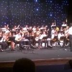 Jeune chef d'orchestre de 14 ans : impécable