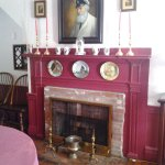 Colonial House Inn Photo