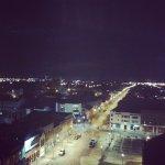 vista a la calle nocturna