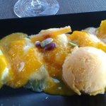 Ravioles d'ananas et glace à la mangue