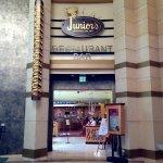 Junior's - Entrance