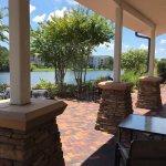 Photo de Hotel Indigo Jacksonville Deerwood Park