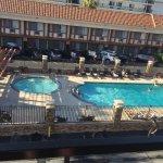 Foto de Tropicana Inn & Suites