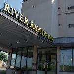 ‪River Rapids Inn‬