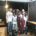 Excelentes clientes y nuestro querido personal de cocina .