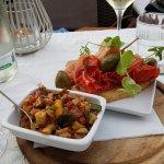 Sehr feines Nachtessen  Tapas und frische Pilze auf Safrannudeln