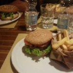 Hamburger classico e hamburger del mese Luglio