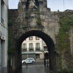 Puerta de Santiago, comienzo de mi recorrido por la muralla