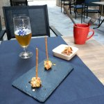 xupa xups de formatge / dumplings poma pruna ratafia / cerveza TIMO!!!!