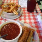 Chilli, tamales and fries!