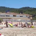 L'hôtel vue depuis la plage