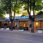 Photo de Hotel Miralaghi
