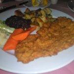 Elizabeth's Chalet Restaurants Foto