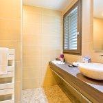 Salle de bain hôtel La Croix de Savoie